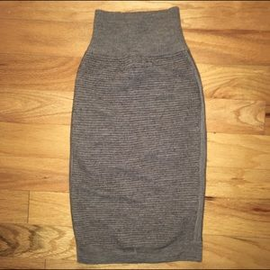 French Connection Charcoal Ribbed Skirt sz 4